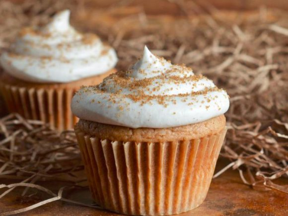 Spice  Cupcakes with Cinnamon Cream Cheese Frosting