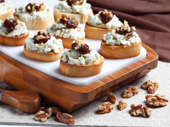 Apple and Blue Cheese Toasts