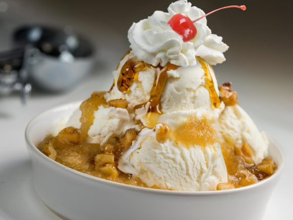 Warm Apple Pie Sundaes
