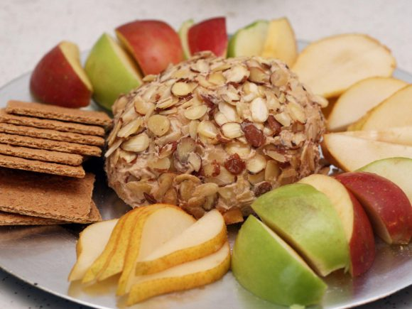 Apple Butter Mascarpone Cheese Ball